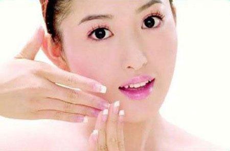 Sản phẩm kem trị mụn hiệu quả cho da nhờn